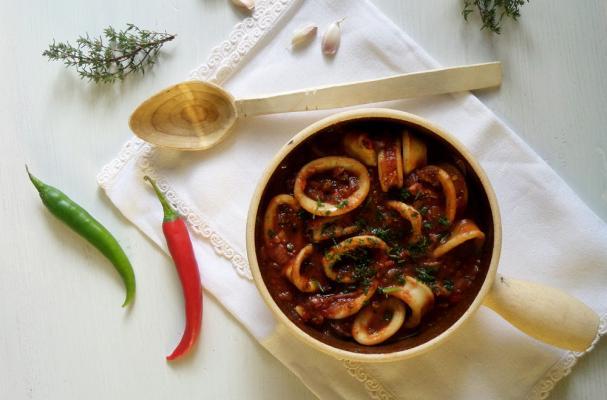 Calamari Stewed With Tomatoes Recipe — Dishmaps