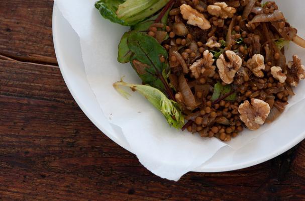 GF CF vegan warm lentil salad with arugula + walnuts + artichokes + fennel
