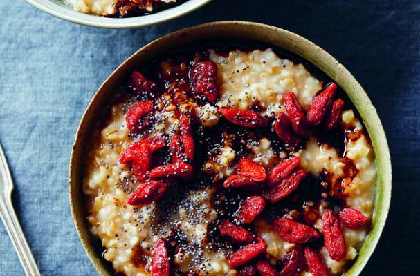 balsamic goji berry oatmeal